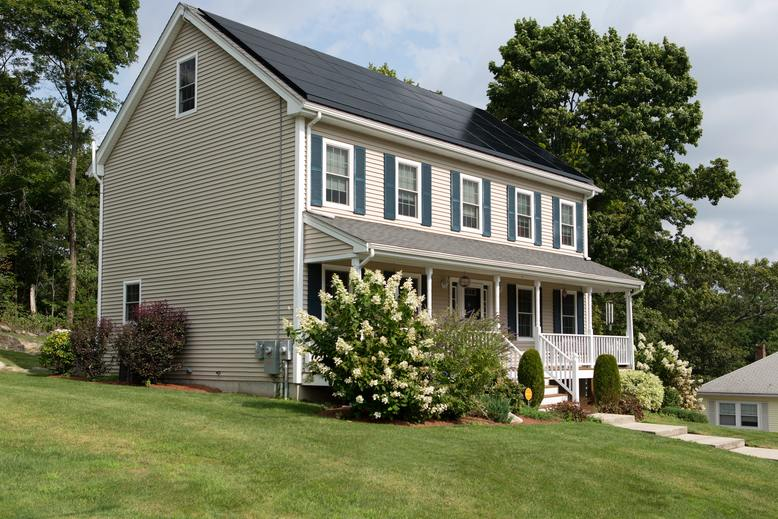 4 Reasons Why Spring is the Perfect Time to Paint Your Home Exterior